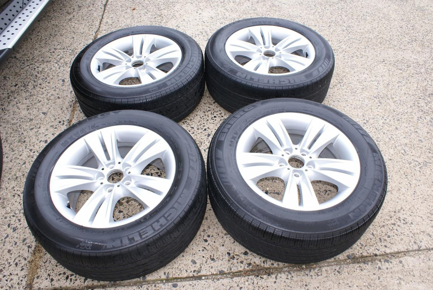 18 Bmw X5 Oem Factory Rims Wheels And Tires Xoutpost Com