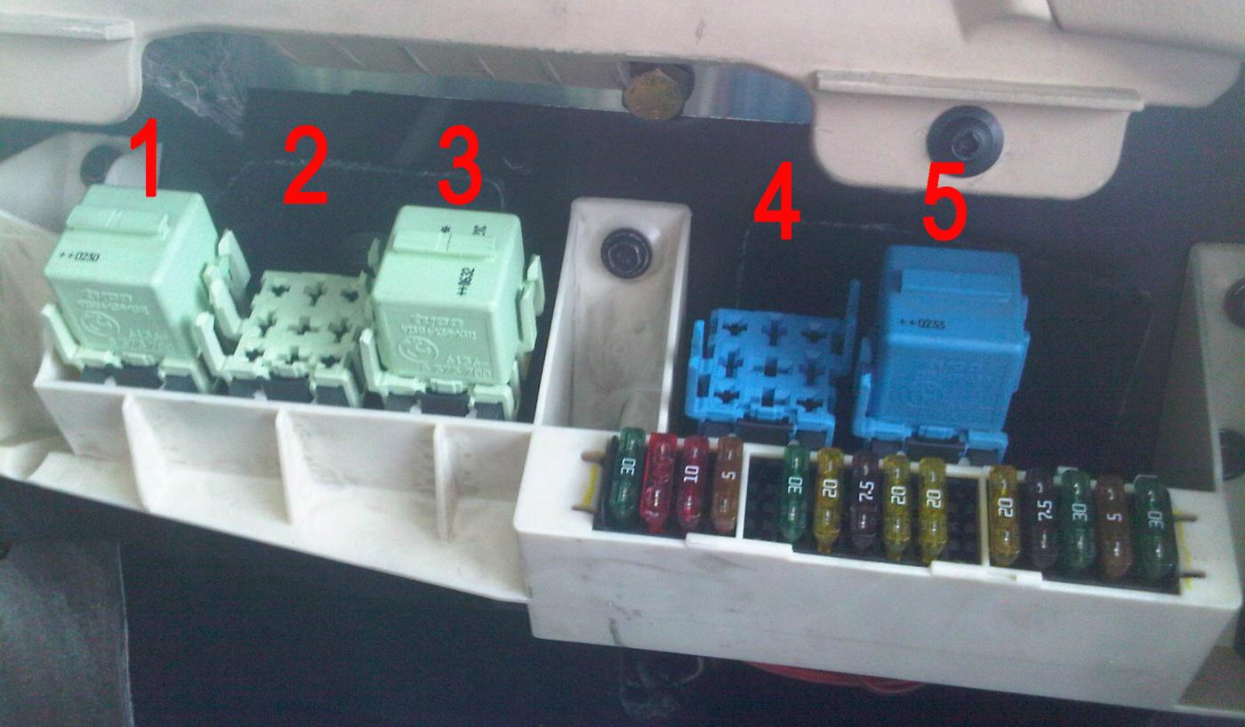 D Calling All Gurus Relays as well Pic as well Dbee Cc Bmw E Fuse Box Location Also Bmw I Fuse Box Diagram On Bmw furthermore Pic as well Ene Blok Salon X. on bmw x5 e53 relay location