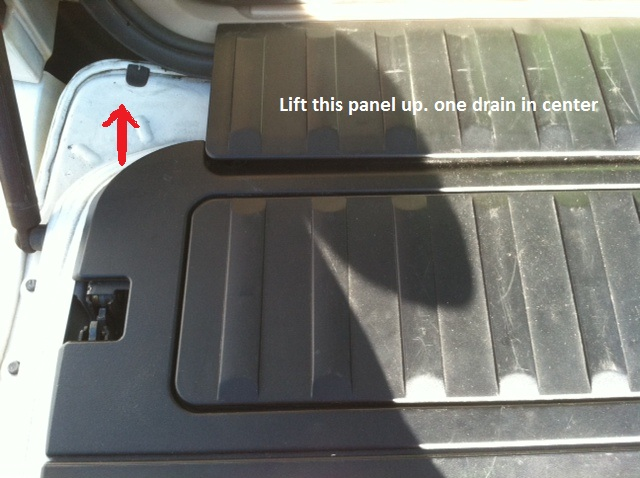 E53 Water Leaking Into Cargo Area Very Important Xoutpostrhxoutpost: Bmw X5 Sunroof Drain Location At Gmaili.net