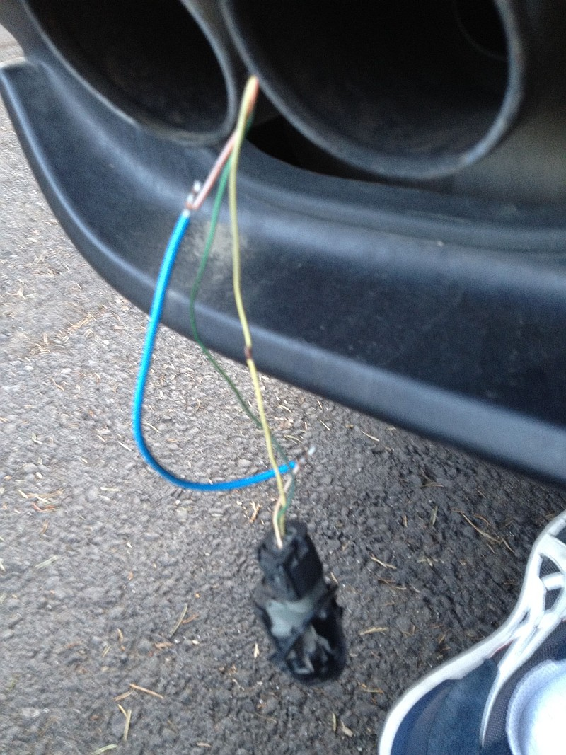 Pdc Sensor Wire Melted Cant Get Working Automotive Wiring Harness Attached Images