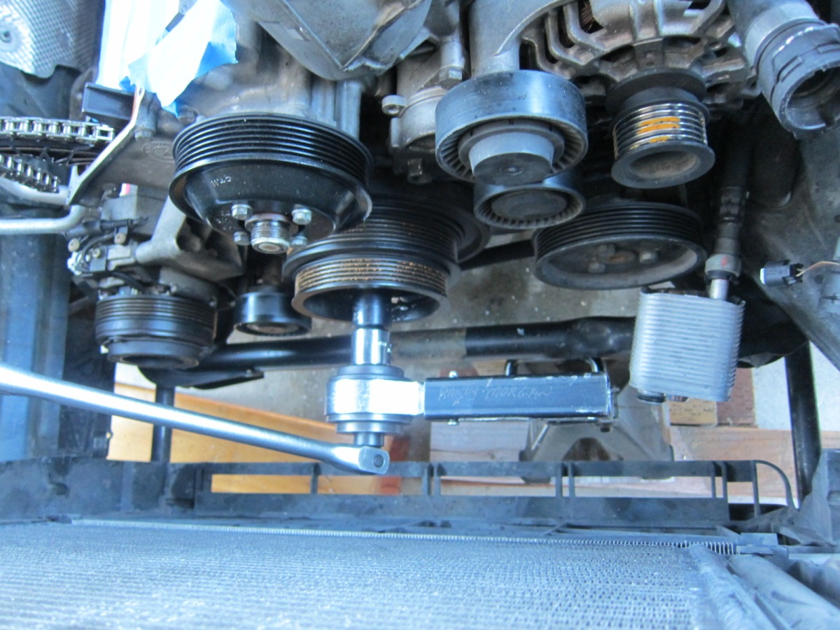 bmw crankshaft pulley bolt torque
