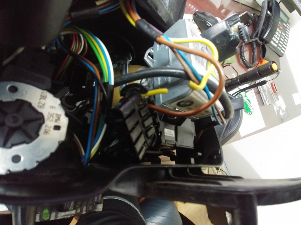 Name:  Headlight Broken Wire.jpg Views: 128 Size:  205.0 KB